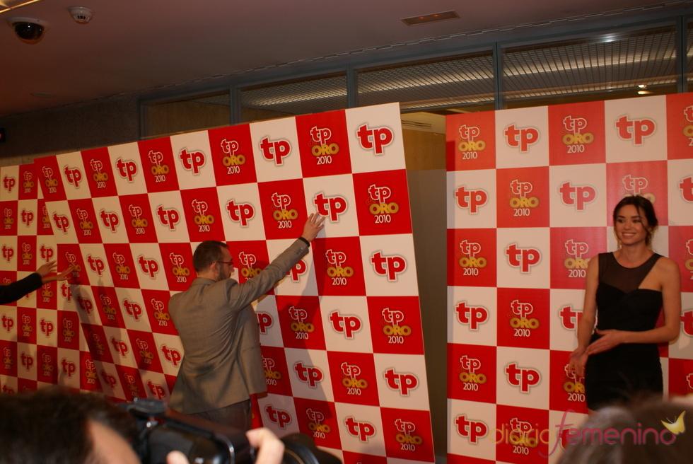 El photocall de los Premios TP de Oro 2011 se viene abajo