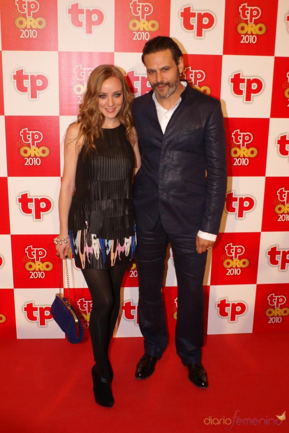 Ángela Cremonte y Roberto Enríquez en los Premios Tp de Oro 2010
