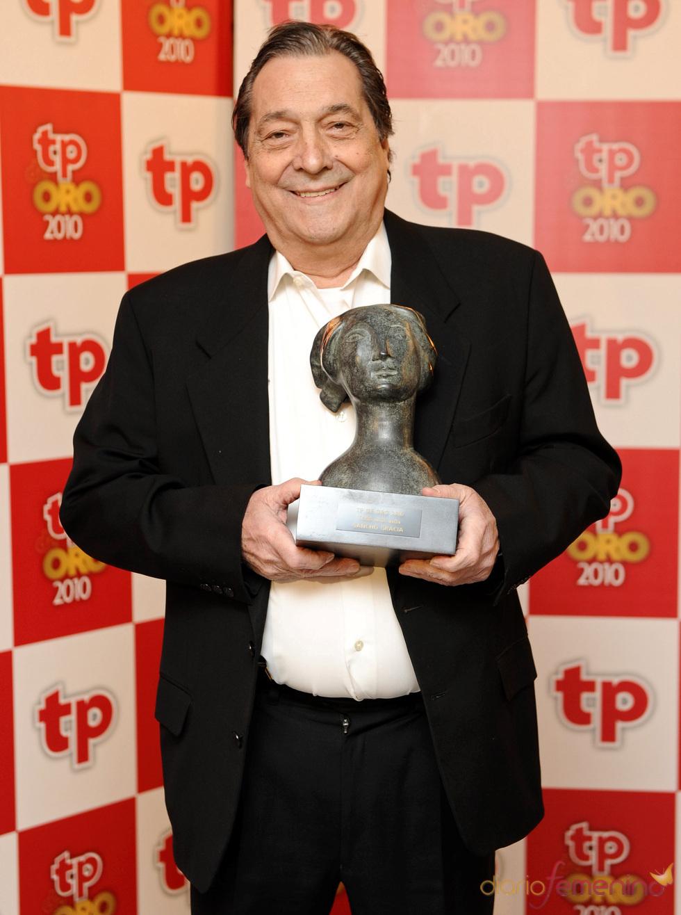 Sancho Gracia con su TP de Oro 2010 a toda una vida