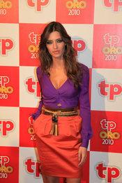 Sara Carbonero en la alfombra roja de los TP de Oro 2010