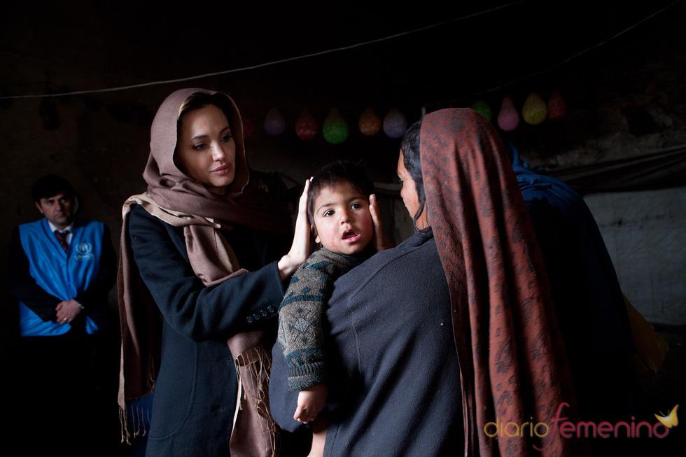 Angelina Jolie, solidaria con los niños de Afganistán
