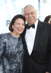 Colin Powell y su esposa en los Premios Imagen 2011