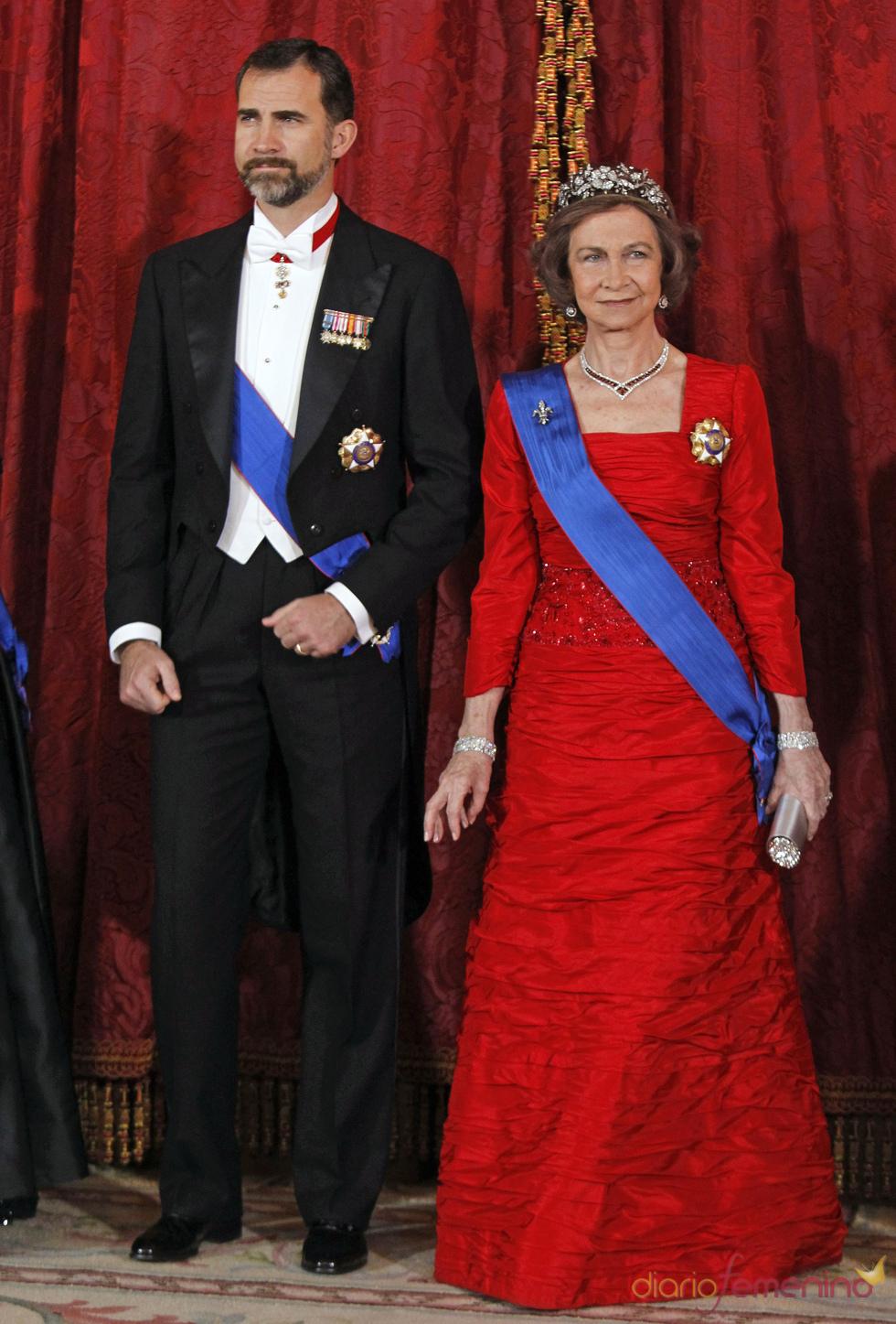 La Reina Sofía y el Príncipe Felipe en la cena en honor al Presidente de Chile