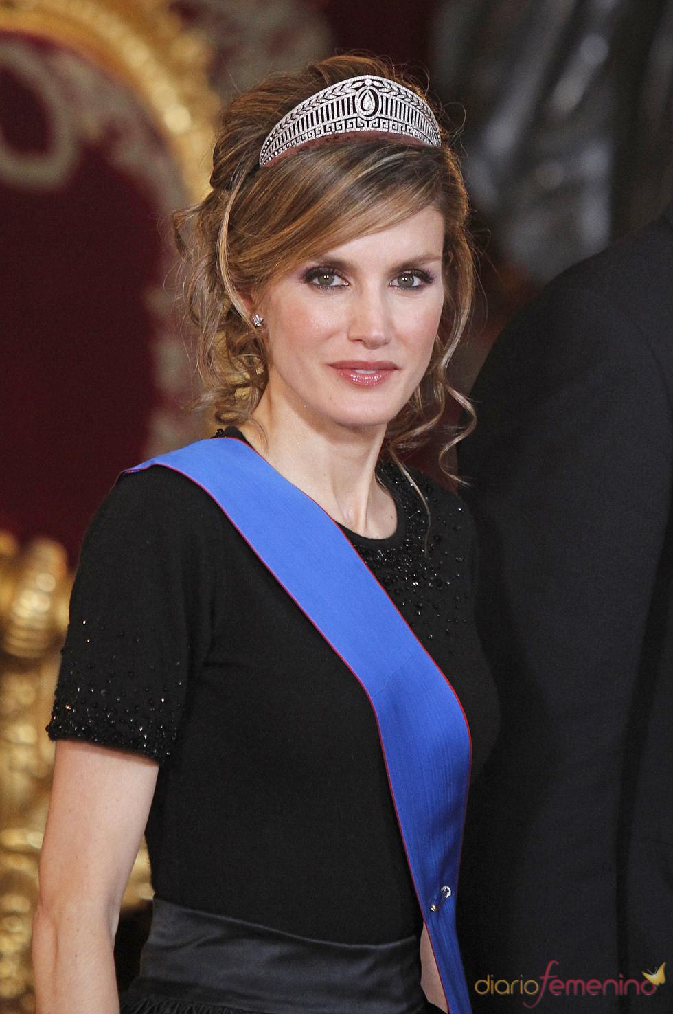La Princesa Letizia, muy guapa con el pelo semirecogido
