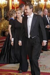 Sonsoles Espinosa y Zapatero en la cena de gala en honor al Presidente de Chile