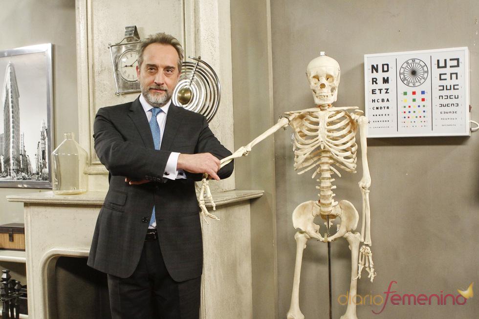 Gonzalo de Castro presenta la quinta temporada de 'Doctor Mateo'