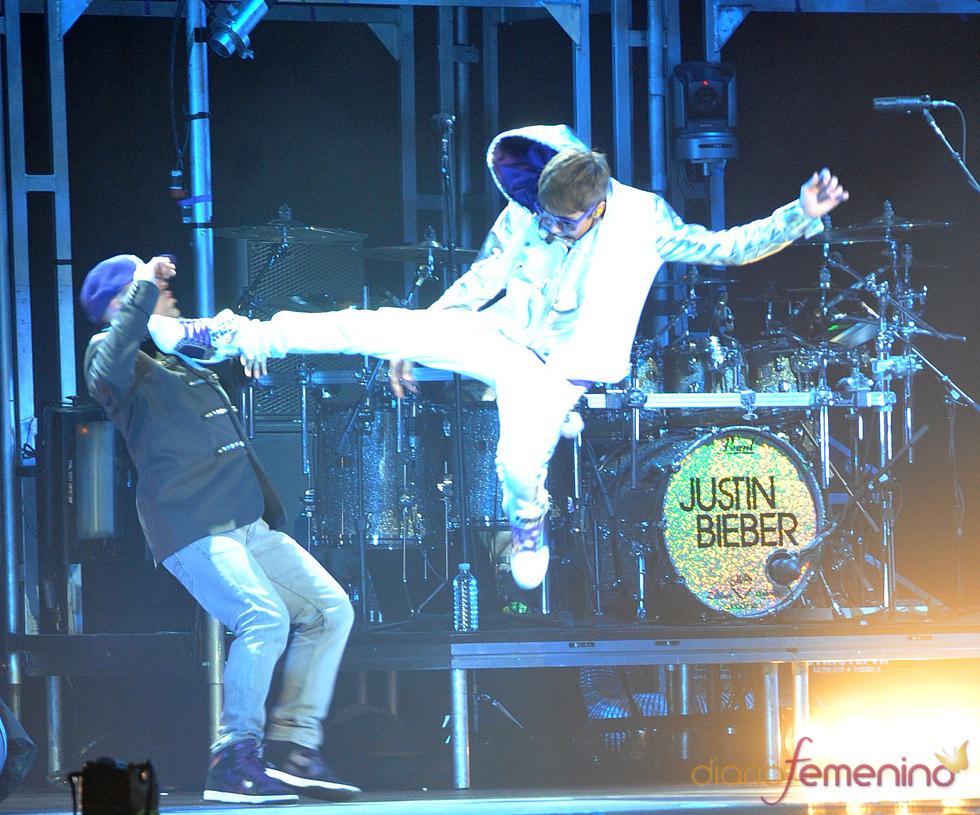 La patada voladora de Justin Bieber