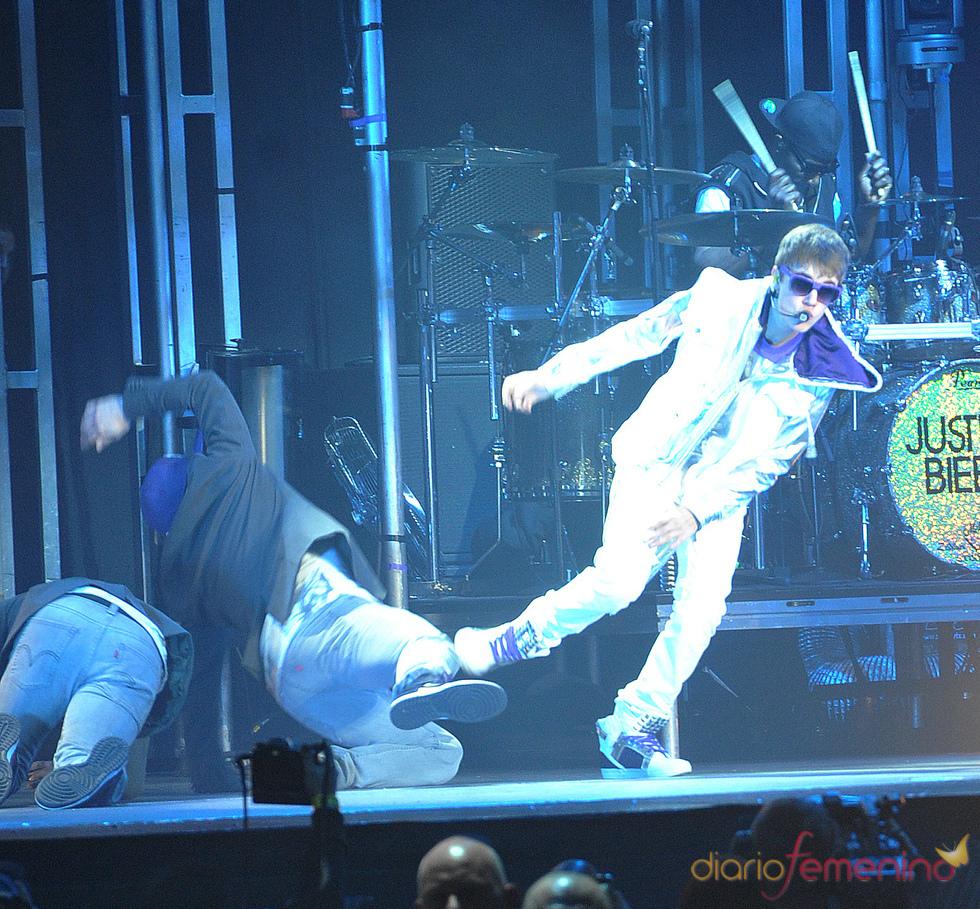 Consecuencias de la patada voladora de Justin Bieber