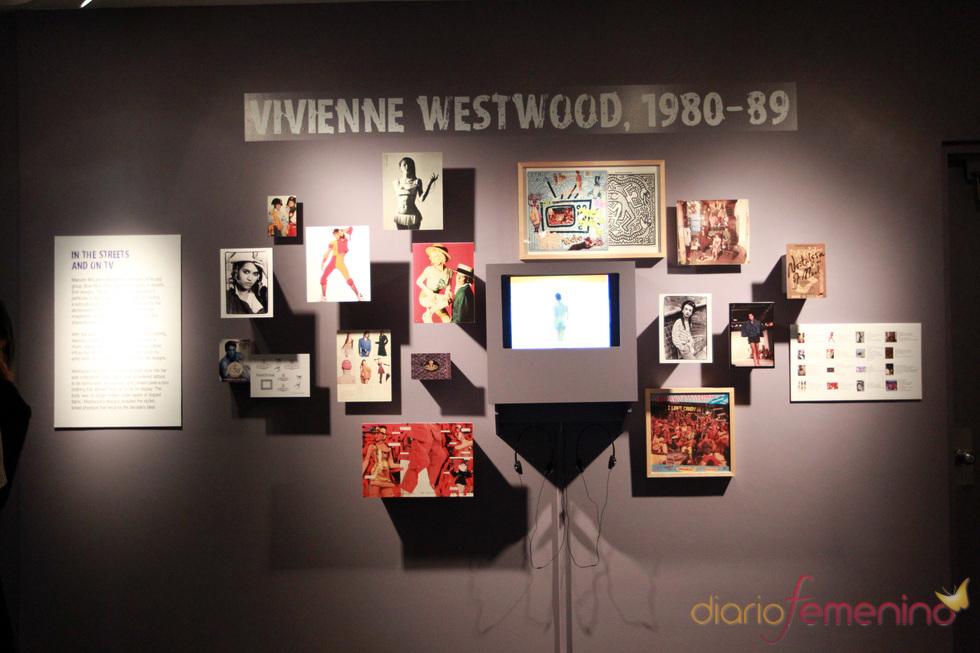 La diseñadora británica Vivienne Westwood presenta sus antiguos modelos