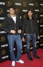 Julian Contreras y Cayetano Rivera en el estreno de 'Torrente 4: lethal crisis'