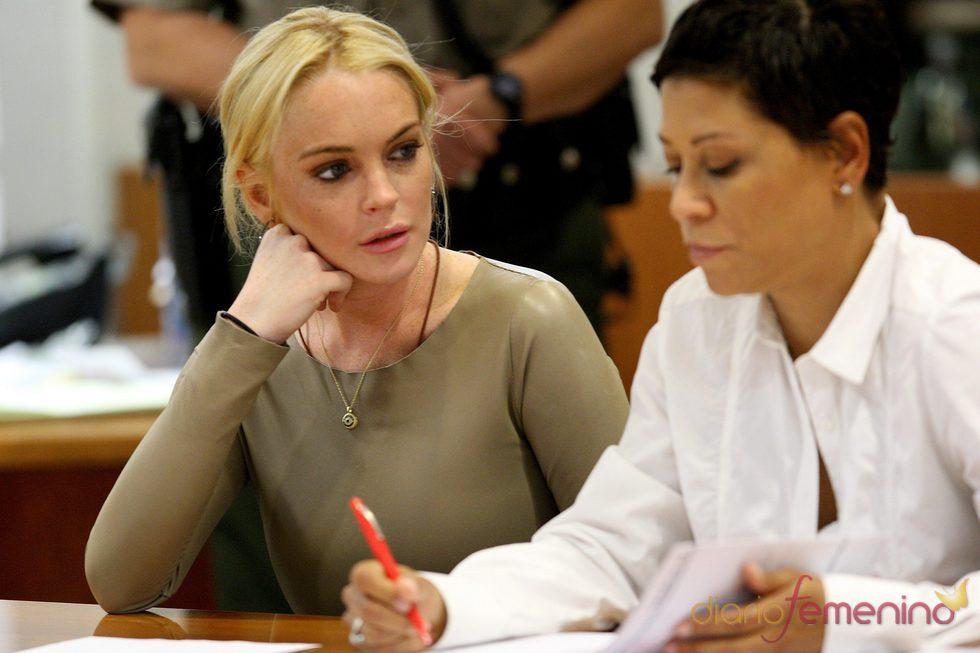 Lindsay Lohan tiene dos semanas más para evitar ir a la cárcel por robo