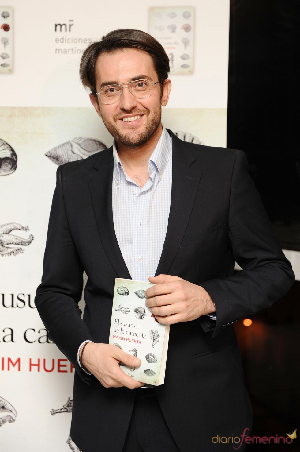 M xim huerta presenta su nuevo libro for Maxim huerta libros