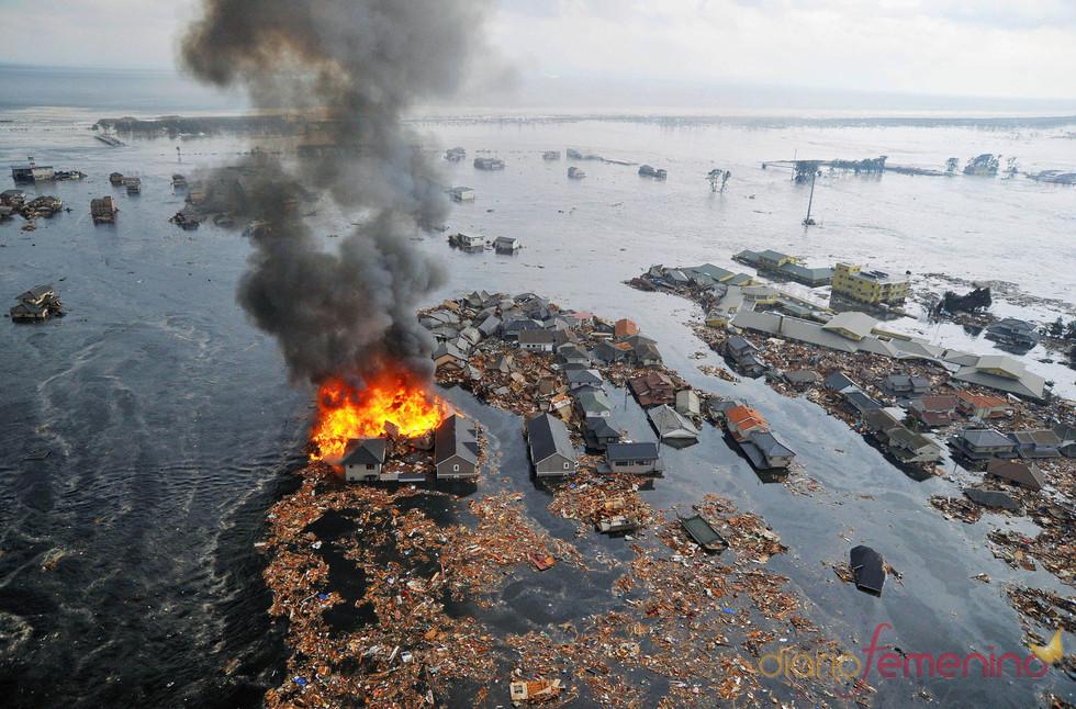 La costa este de Japón inundada tras el terremoto de 8,9 grados