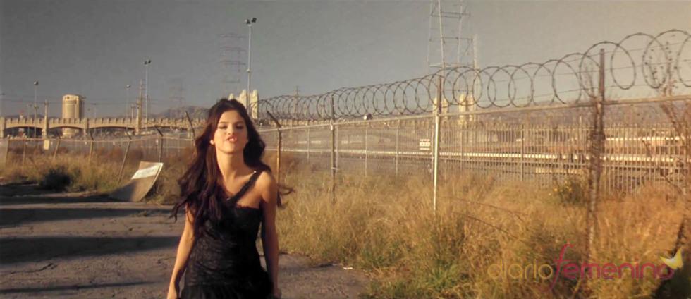 Selena Gómez desnuda sus sentimientos en su nuevo videoclip: 'Who Says'