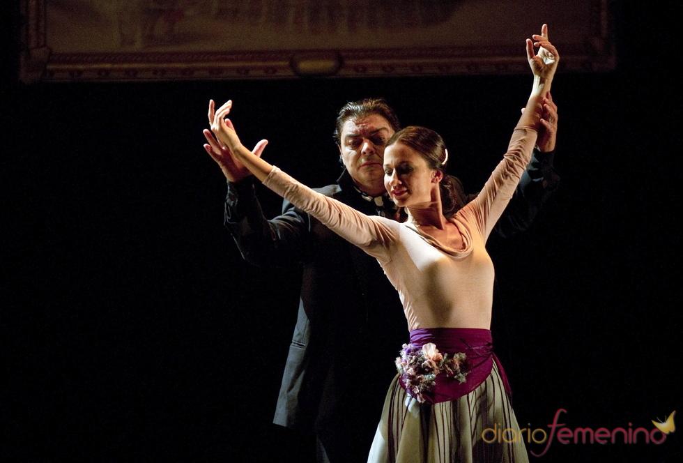 Cecilia Gómez y Antonio Canales en 'Cayetana, su pasión'