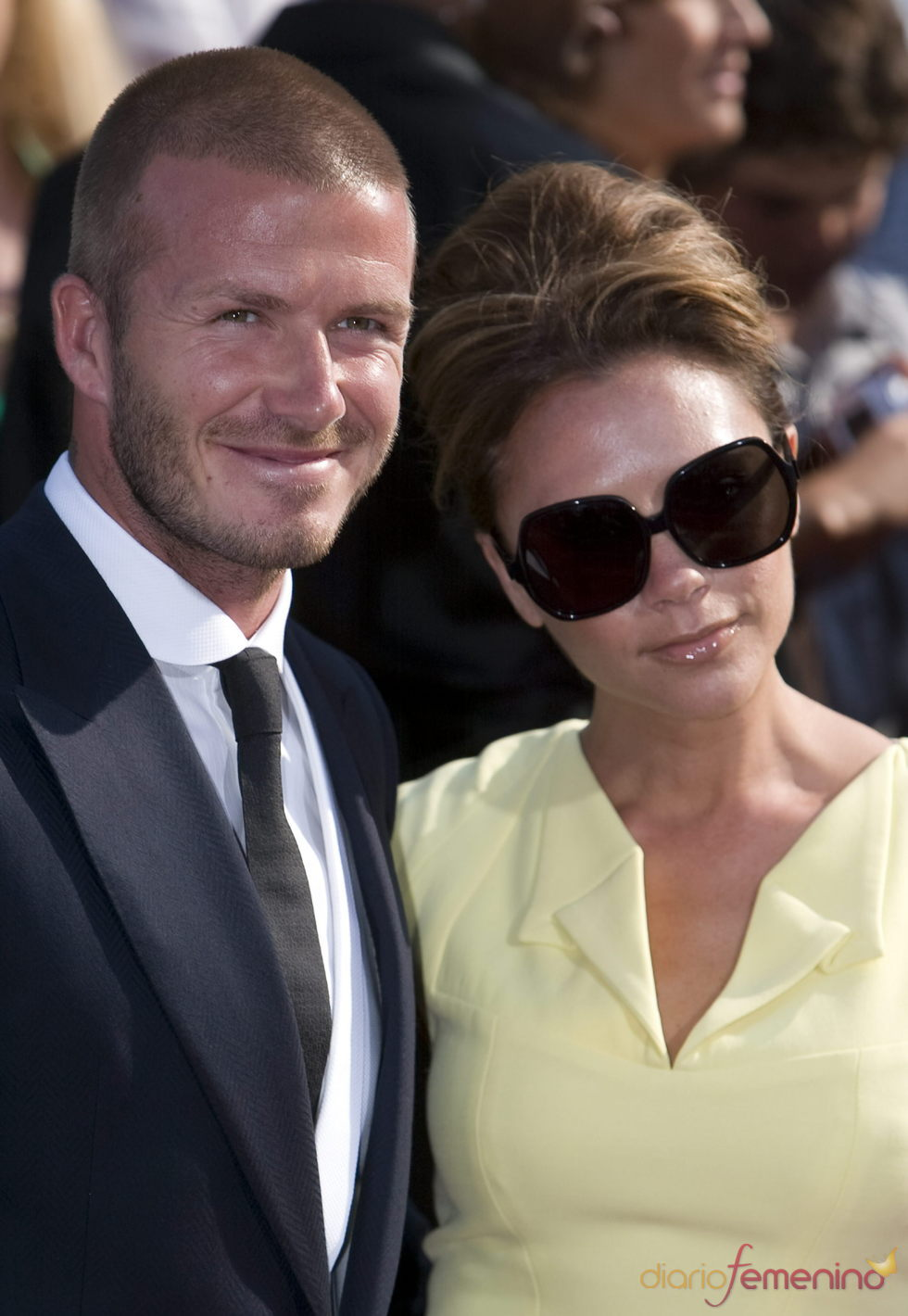 David Beckham anuncia que su esposa, Victoria, espera una niña