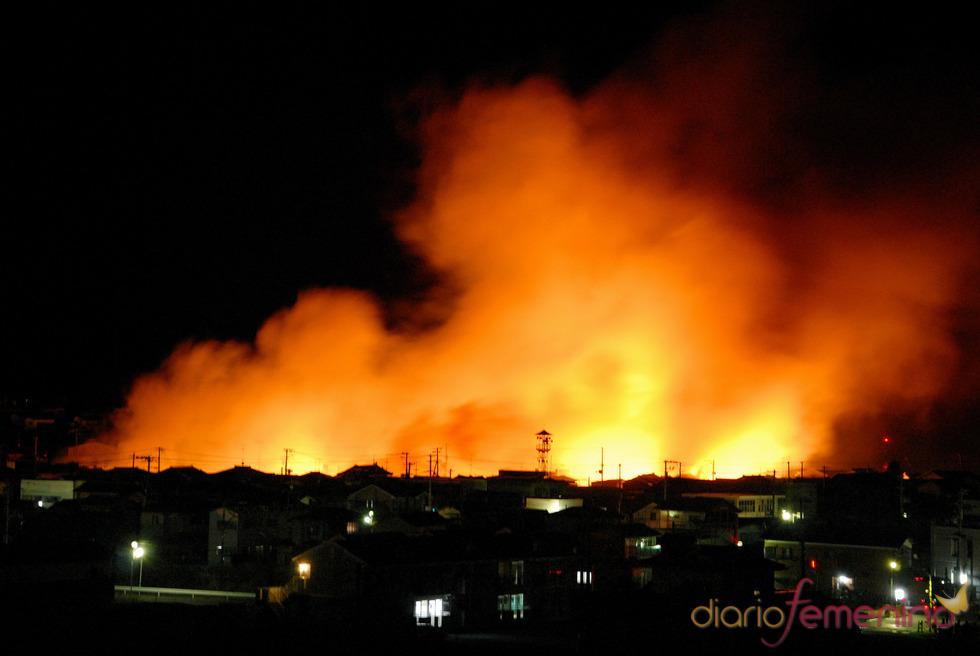 Las llamas invaden Fukushima