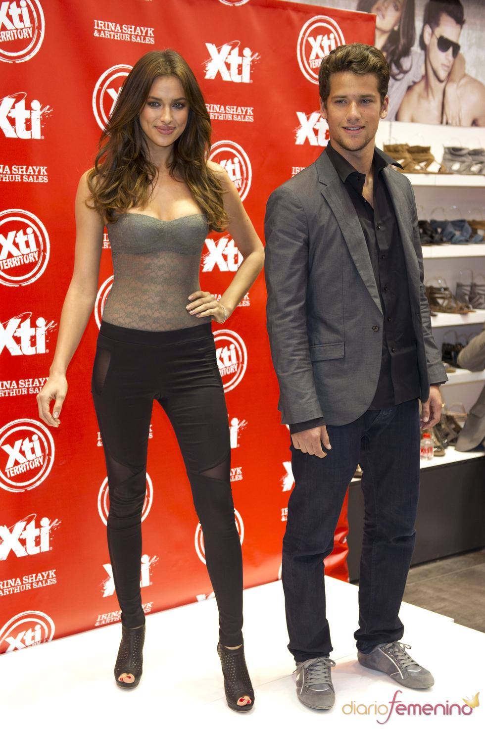 Irina Shayk y Arthur Sales en la Feria de Moda y Calzado de Madrid