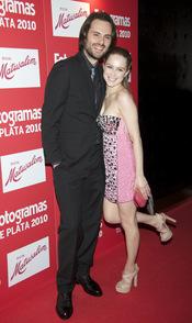 Carla Nieto y Roberto Hoyas en los Premios Fotogramas de Plata 2010