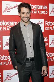 Alejandro Albarracín en los Premios Fotogramas de Plata 2010