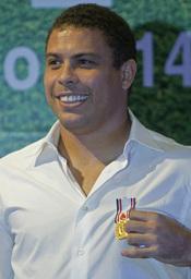 Ronaldo se prueba como humorista en la televisión brasileña