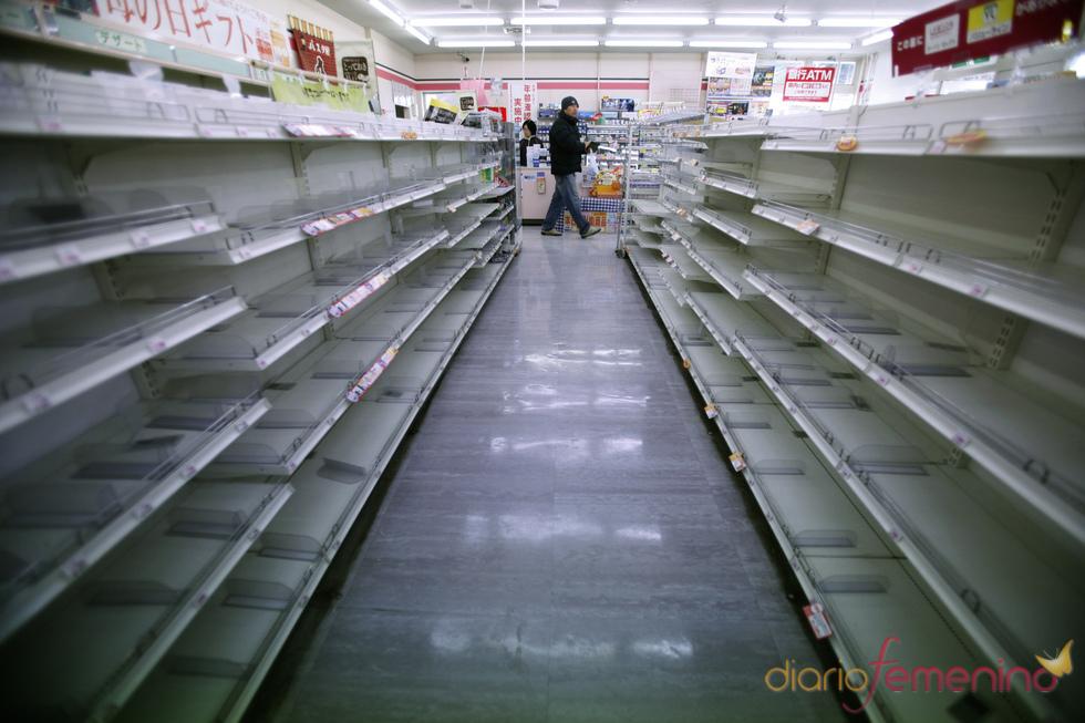 Supermercado japonés sin comida tras el tsunami