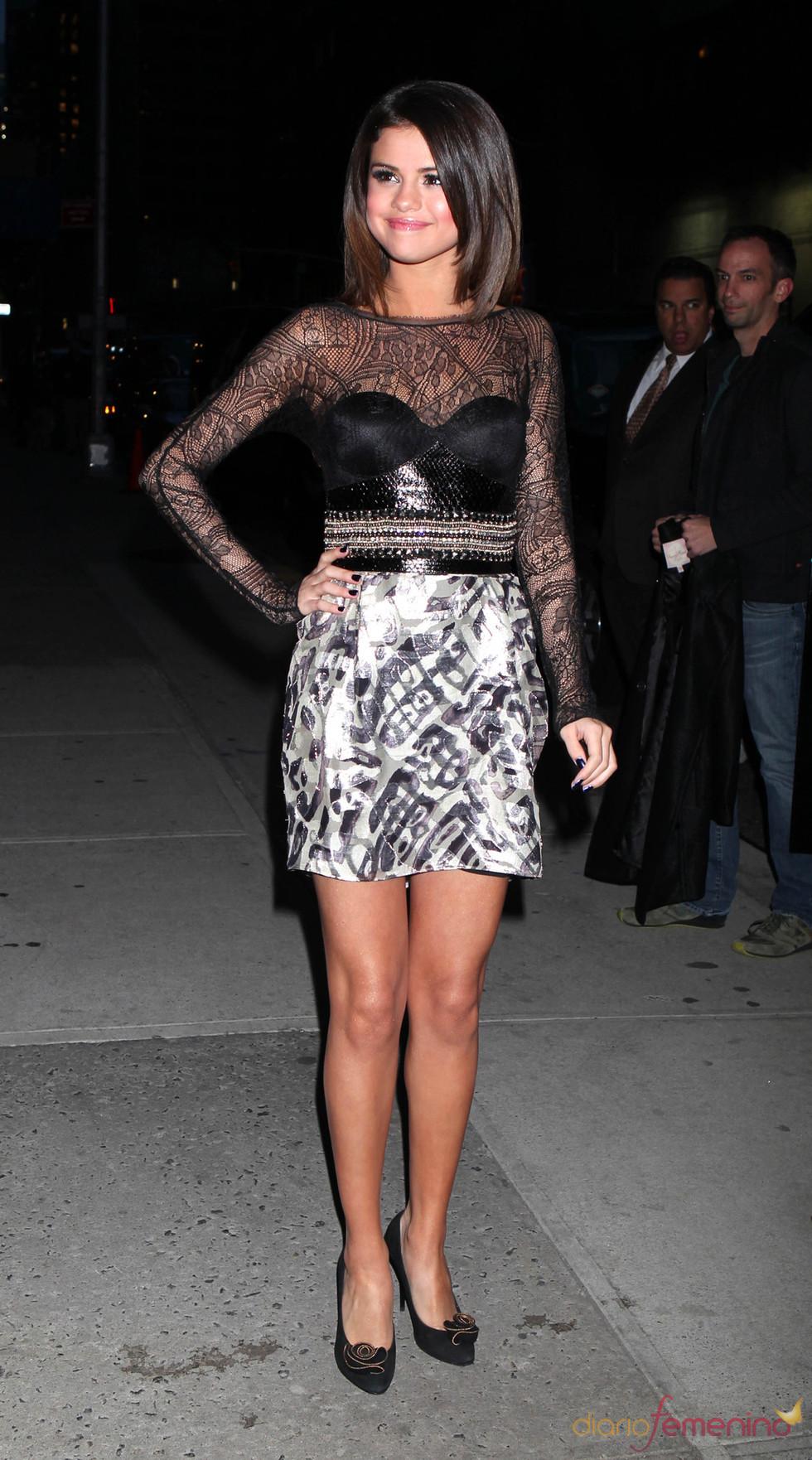 Selena Gomez, muy guapa para acudir al show de David Letterman