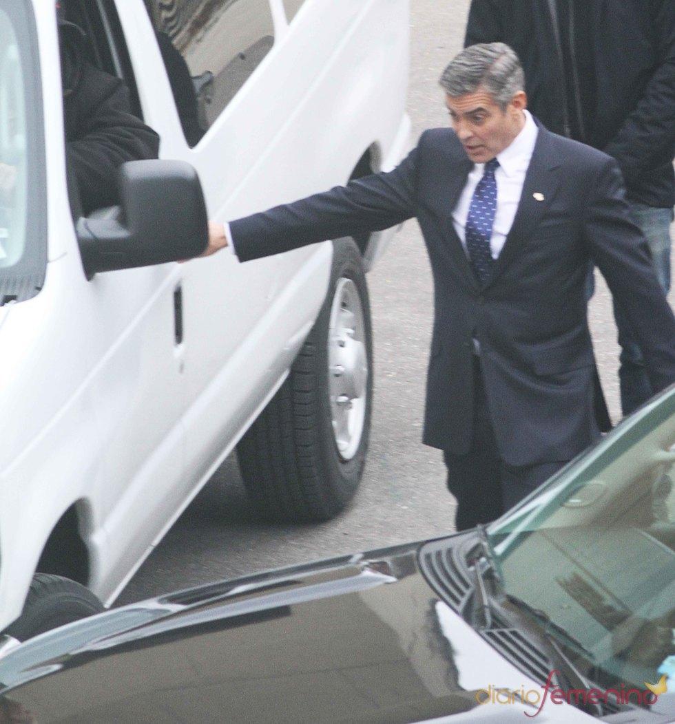 George Clooney impide un accidente en un rodaje