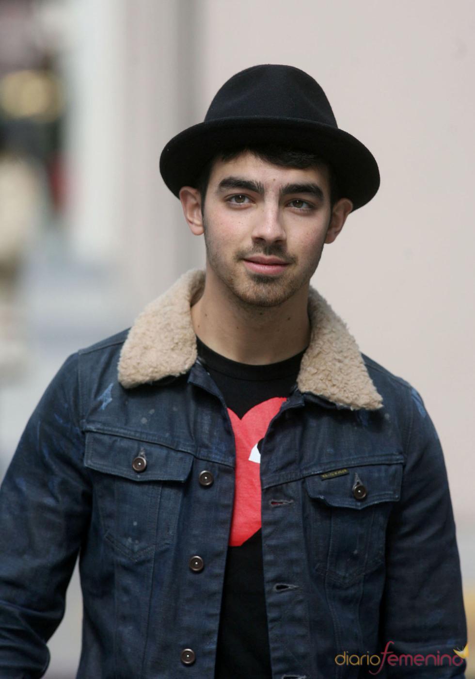 Joe Jonas emprende su carrera en solitario