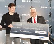 Iker Casillas entrega el I Premio Philips SensoTouch Día del Padre