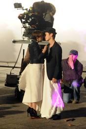 El beso apasionado de Emma Watson pare el anuncio de Lancome