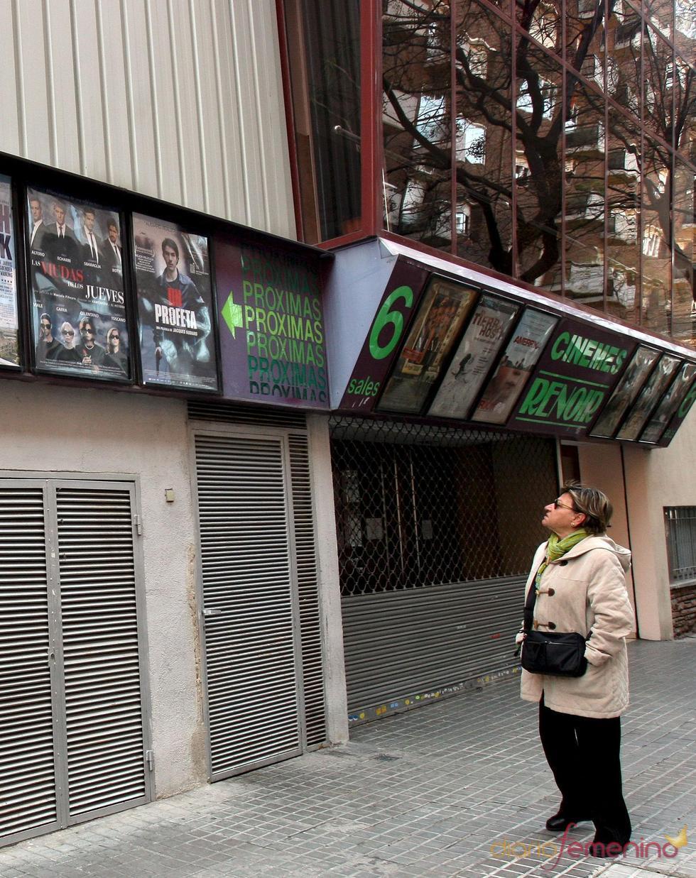 Fachada de cine español