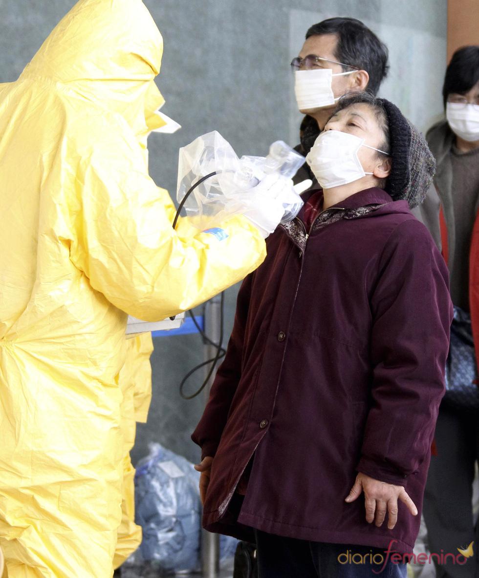Midiendo la radiactividad de los japoneses