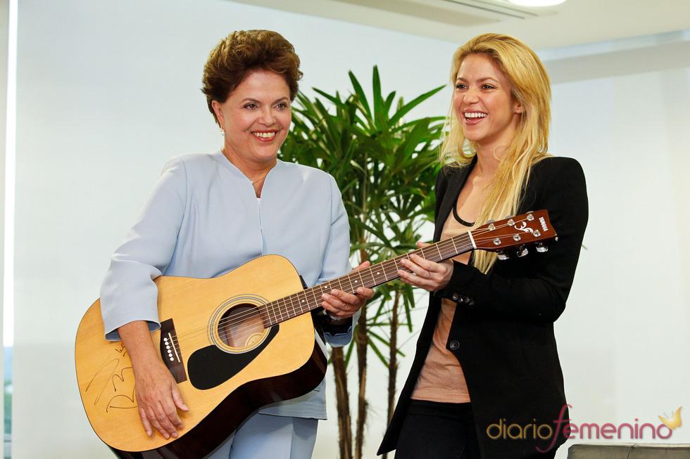 Shakira pide apoyo a Rousseff para los proyectos de Alas en favor de la infancia