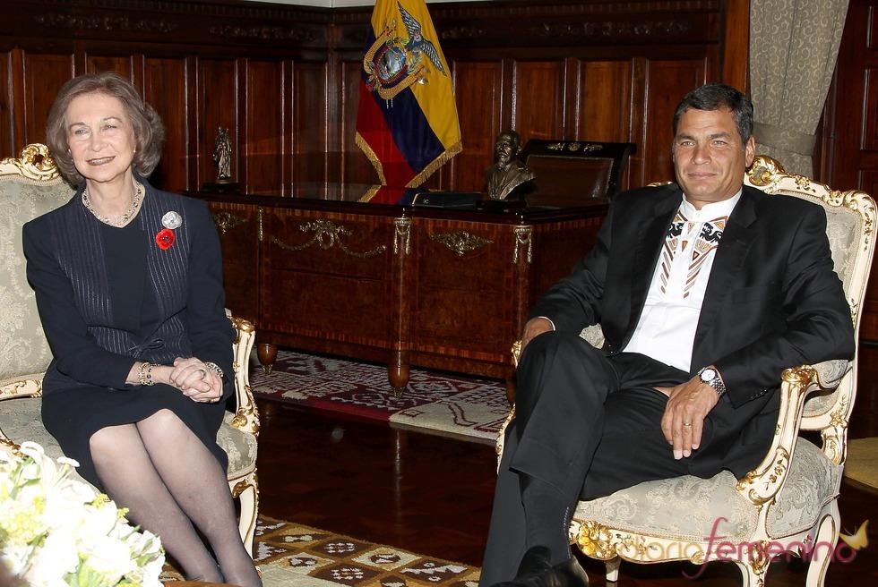 La Reina Sofía junto al presidente de Ecuador