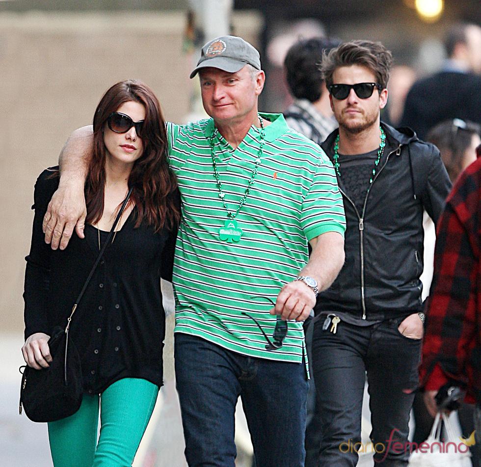 Ashley Greene y Jared Followill juntos en el Día de San Patricio