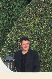 Alejandro Sanz en el bautizo de la hija de David Bisbal