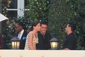 Alejandro Sanz y su novia en el bautizo de la hija de David Bisbal