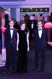 Pierre, Andrea y Carlota Casiraghi, muy elegantes en el Baile de la Rosa 2011