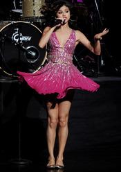 Selena Gomez en su actuación en el 'Hope Center'