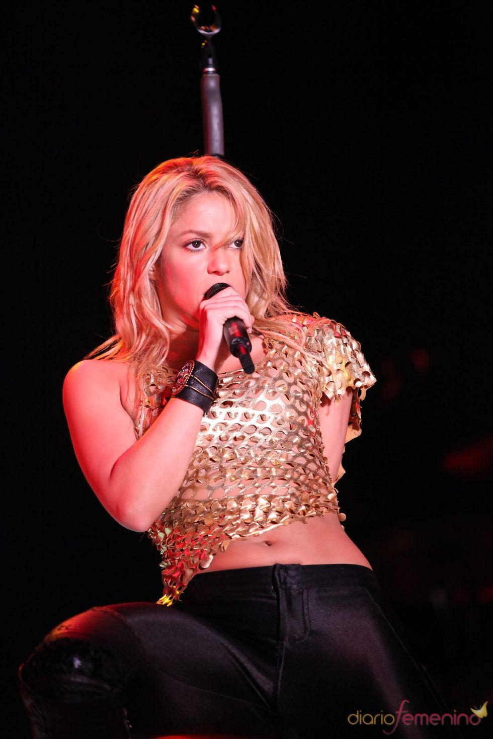 Shakira enloquece a sus fanáticos en su primer y único concierto en Bolivia