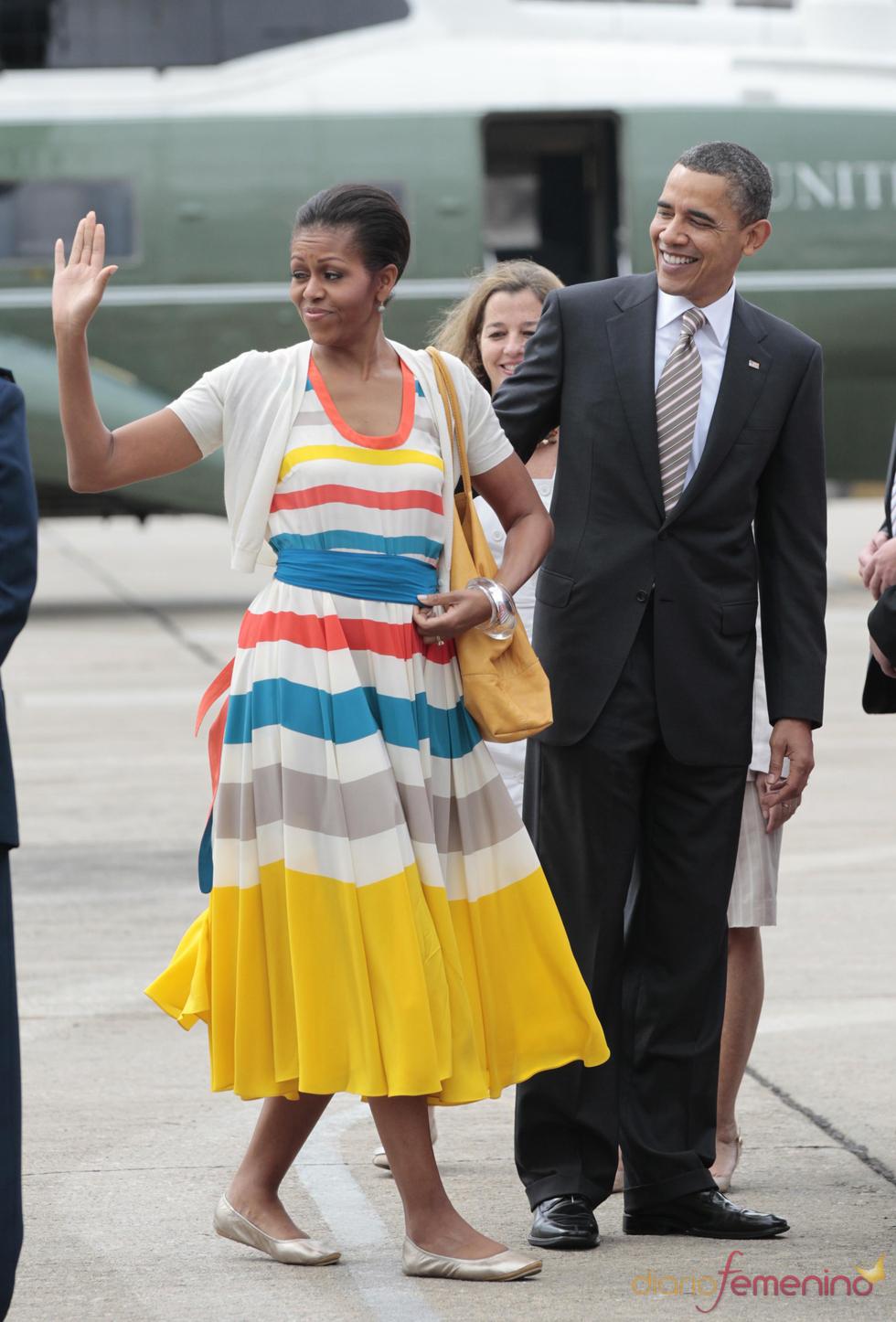 Barack Obama y Michelle Obama se despiden en el aeropuerto de Brasil