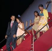 Barack Obama, Michelle Obama y sus hijas, a su llegada a Río de Janeiro