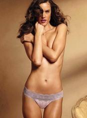 Alessandra Ambrosio muy sexy para Victoria's Secret
