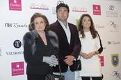 Rafi Camino y su familia en los premios AMC 'La Mujer y el Vino'