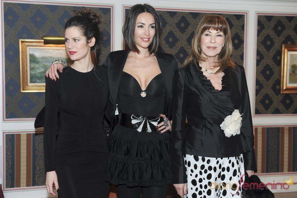 Lidia San José, Maria Jose Besora y Paquita Torres en AMC 'La Mujer y el Vino'