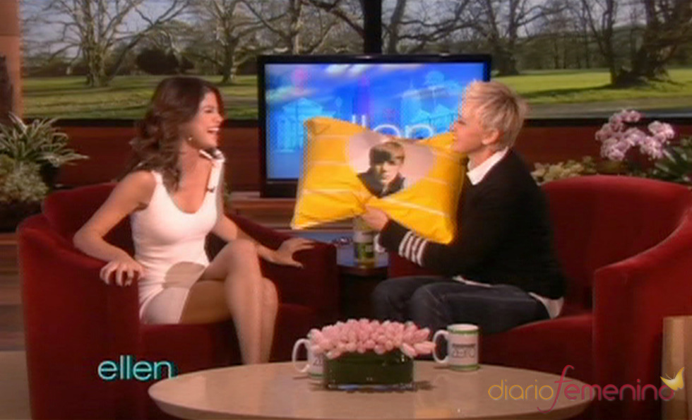 Ellen DeGeneres regala a Selena Gomez algo muy especial