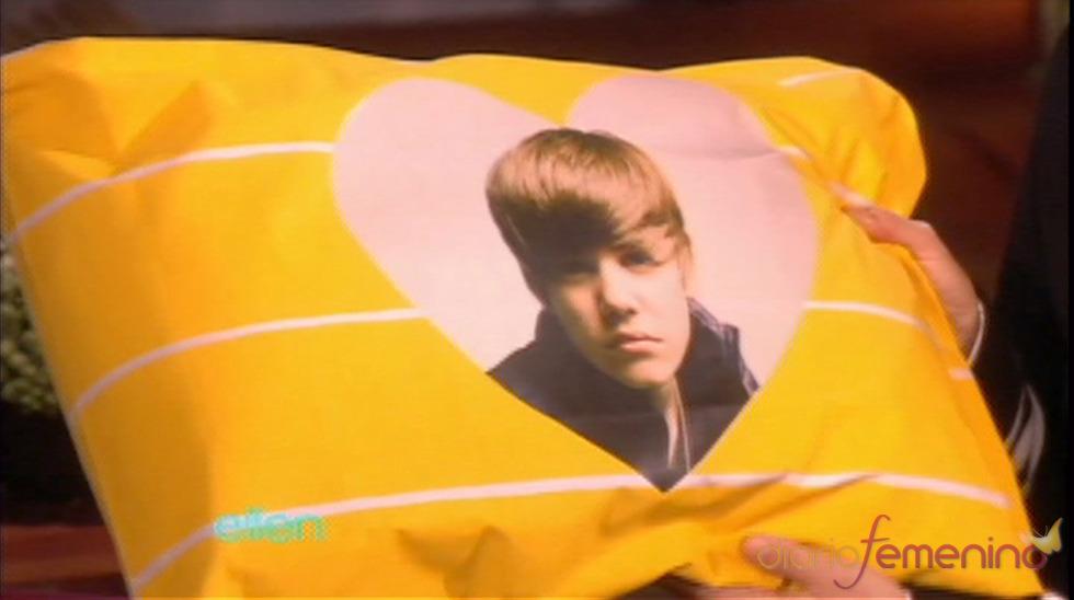 Una almohada de Justin Bieber para Selena Gomez