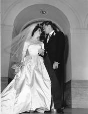 Elisabeth Taylor en su boda con Conrad Hilton en 1963