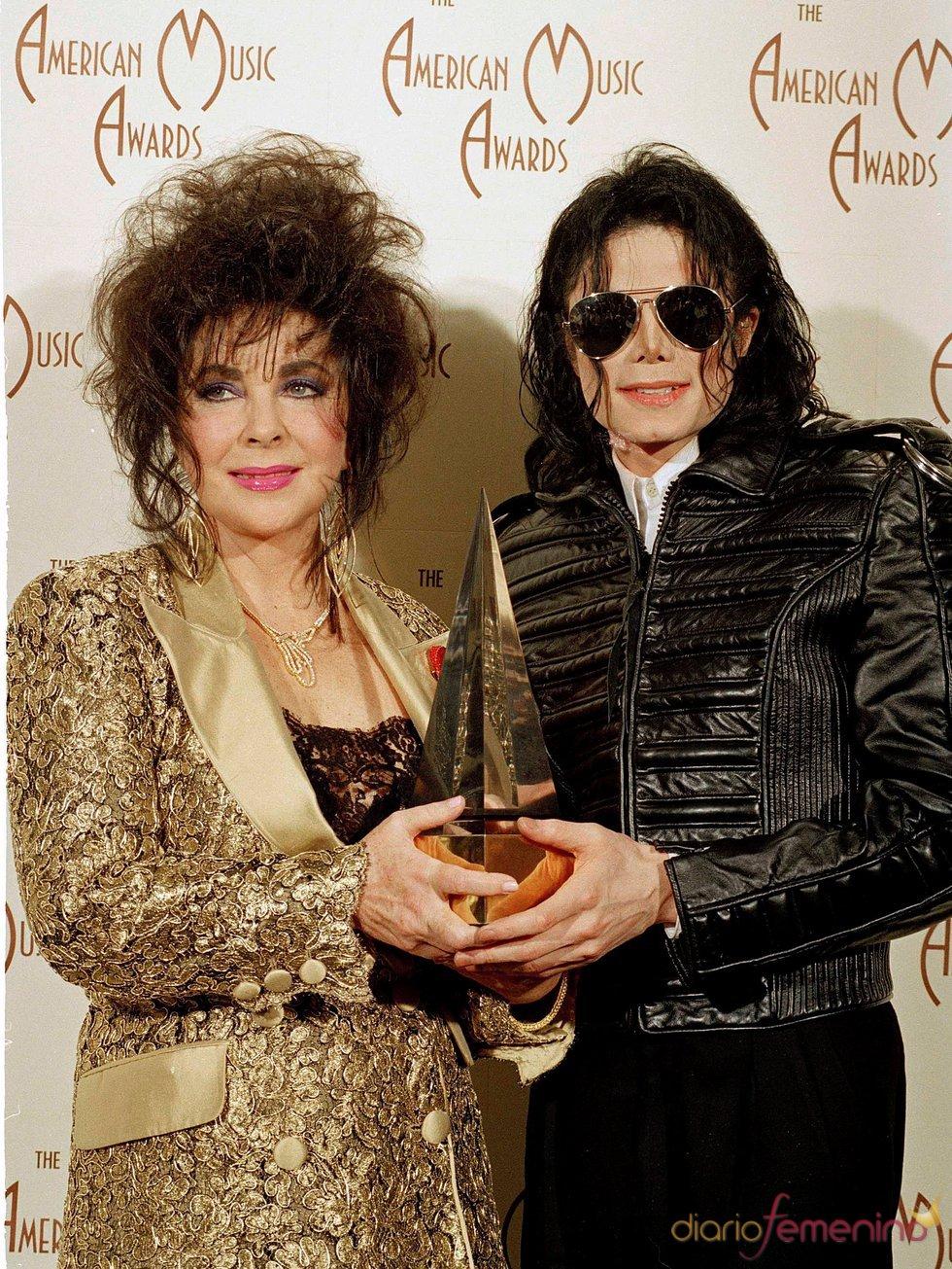 Elisabeth Taylor y Michael Jackson